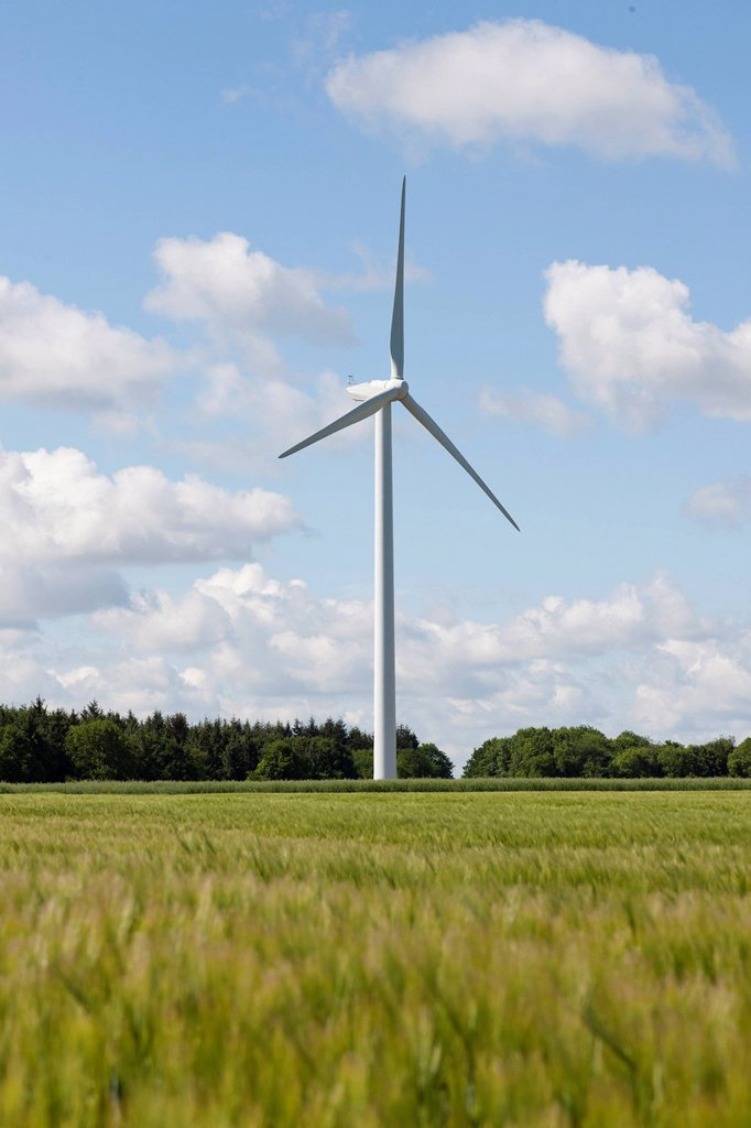 Stock Photo: 1795R-55963 France, Picardy, Somme, Pont Remy, Wind turbine in field