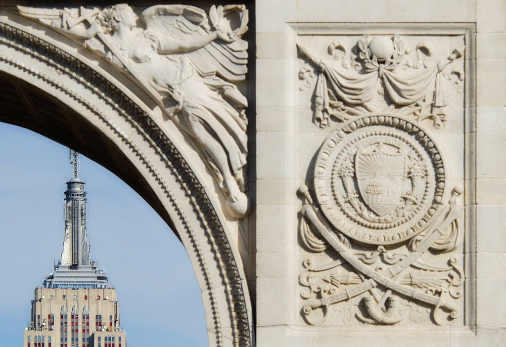 Stock Photo: 1795R-62668 USA, New York State, New York City, Washington Square Arch and Empire State building