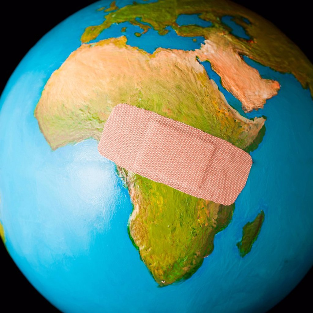 Stock Photo: 1795R-68620 Globe with band_aid