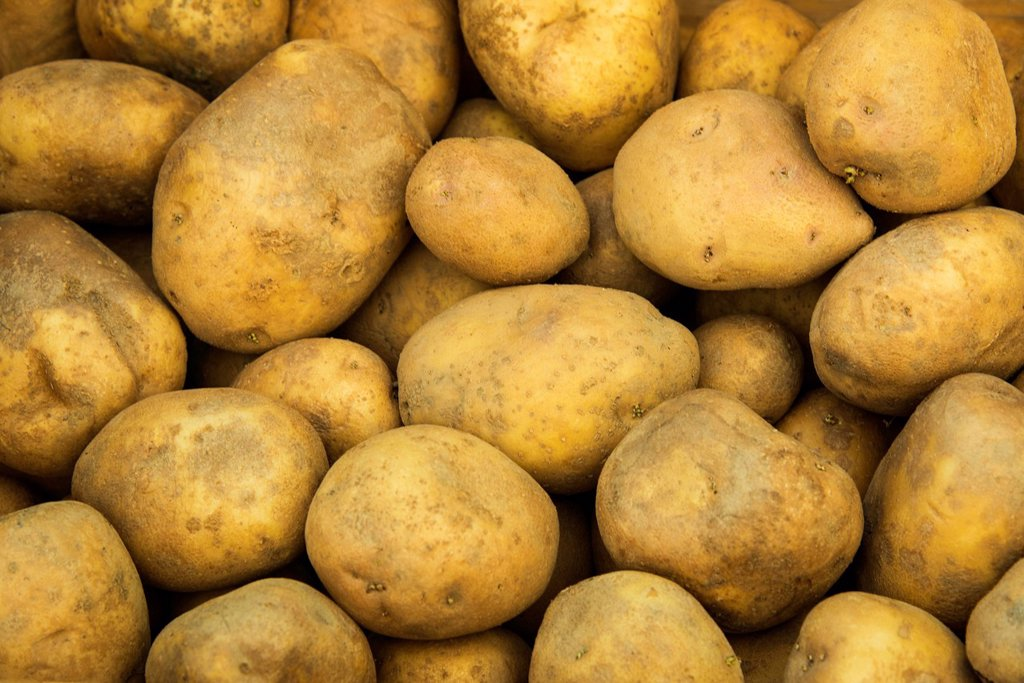 Fresh potatoes : Stock Photo