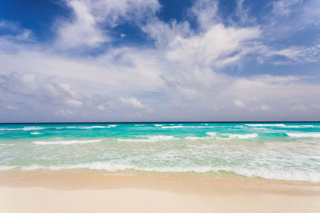 Mexico, Quintana Roo, Yucatan Peninsula, Cancun, Scenic view of sea : Stock Photo