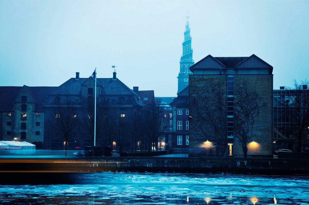 Stock Photo: 1795R-72800 Frozen canal with Church of Our Saviour in background