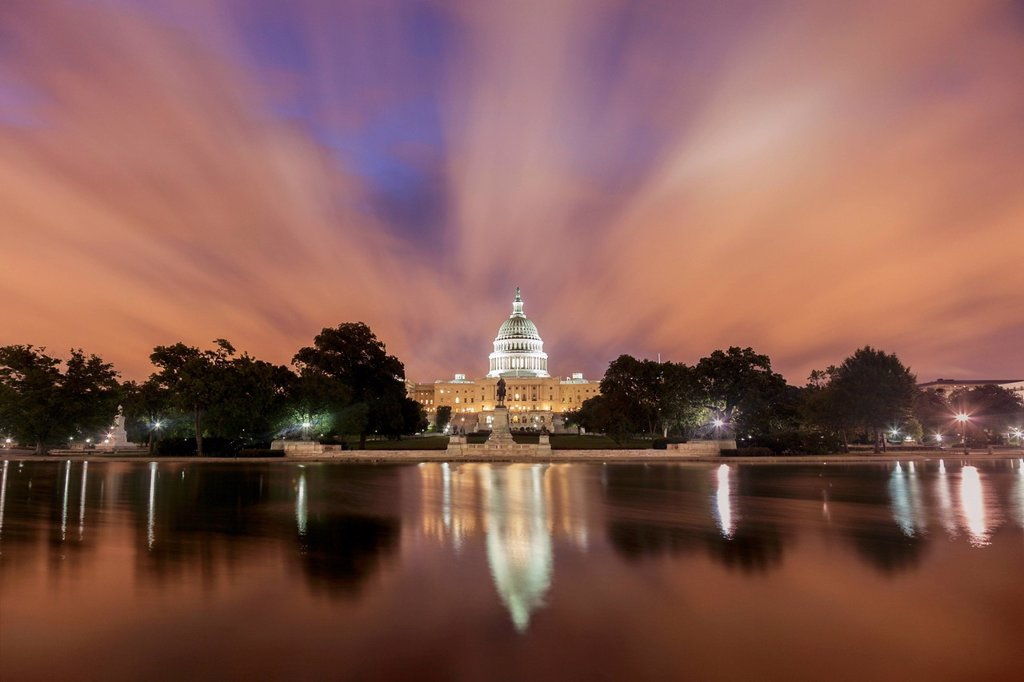 Stock Photo: 1795R-78247 Capitol Building at sunrise