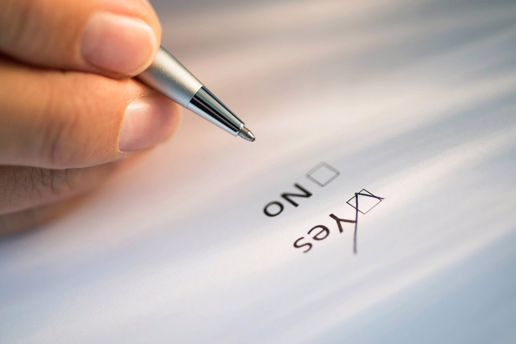 Stock Photo: 1795R-79161 Close_up of hand filling out form