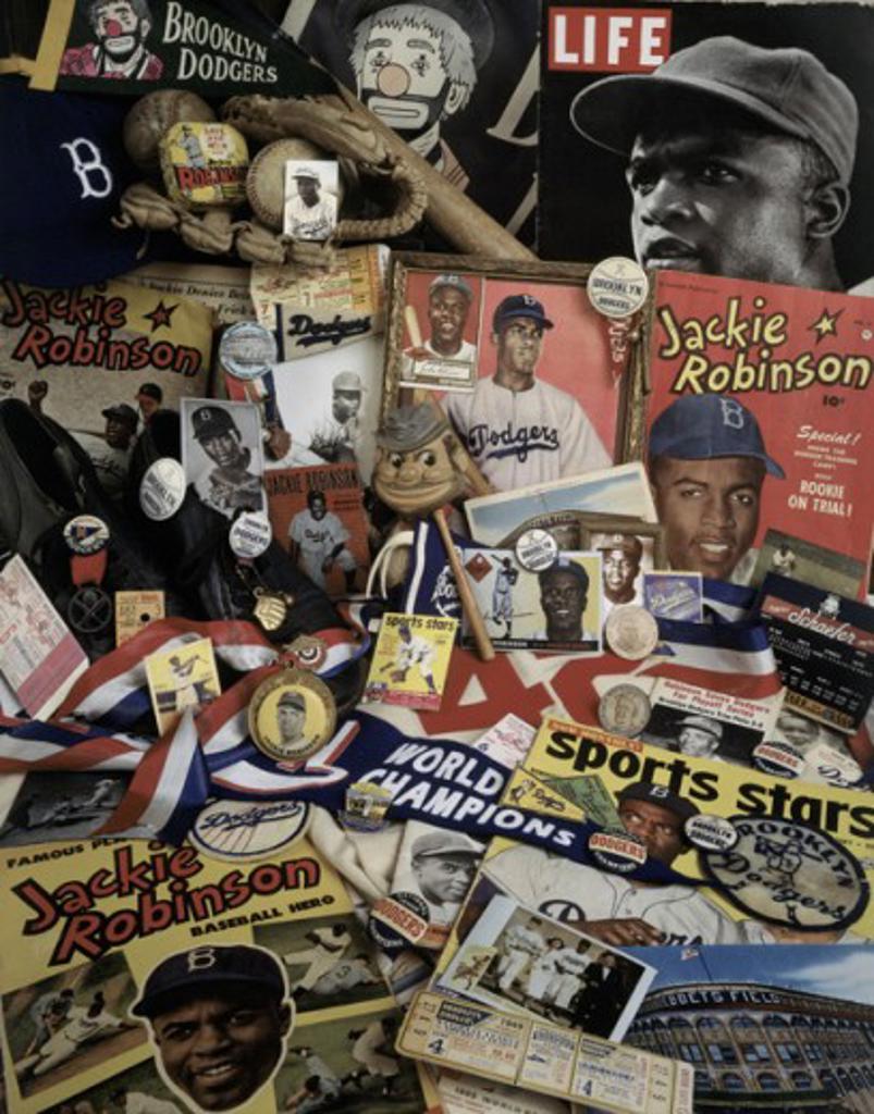 Stock Photo: 18-584 Close-up of baseball memorabilia