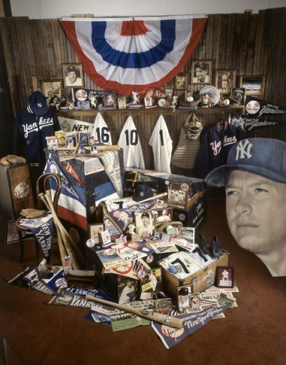 Stock Photo: 18-585 Interior of a room with baseball memorabilia