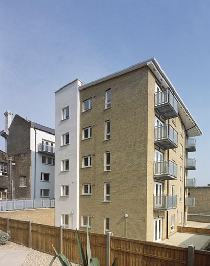 Stock Photo: 1801-15279 SHOREDITCH AND HAGGERSTON LIBRARY CONVERSION, 234-6 KINGSLAND ROAD, LONDON, N1 ISLINGTON, UNITED KINGDOM, NEW FLATS WITH BALCONIES, JCMT ARCHITECTS