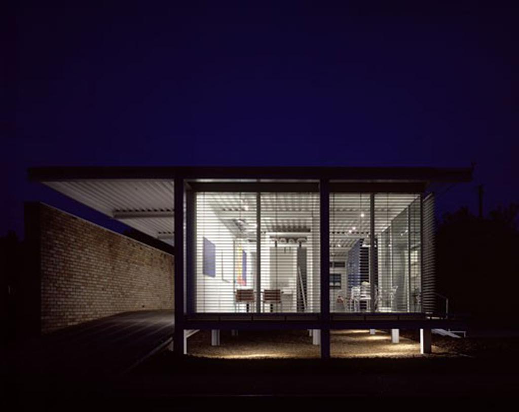 BANHAM HOUSE, PRICKWILLOW, CAMBRIDGESHIRE, UNITED KINGDOM, EXTERIOR NIGHT SHOT, JONATHAN ELLIS-MILLER : Stock Photo
