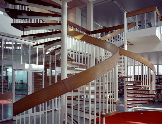 SWISS COTTAGE LIBRARY, 88 AVENUE ROAD, LONDON, NW3 HAMPSTEAD, UNITED KINGDOM, BOTH STAIR CASES, JOHN MCASLAN AND PARTNERS : Stock Photo