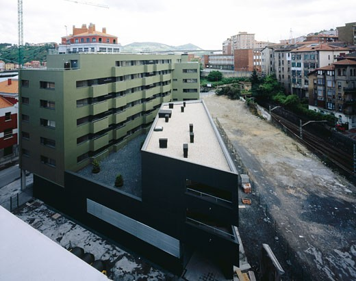 RELOCATION SOCIAL HOUSING, PORMETXETA, BARAKALDO, BASQUE COUNTY, SPAIN, AERIAL VIEW OF BUILDING AND SURROUNDING AREA, ACXT ARQUITECTOS : Stock Photo