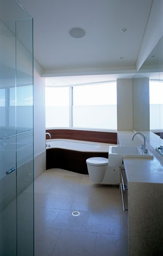 PRIVATE HOUSE, SYDNEY, NEW SOUTH WALES, AUSTRALIA, BATHROOM, LUIGI ROSSELLI : Stock Photo