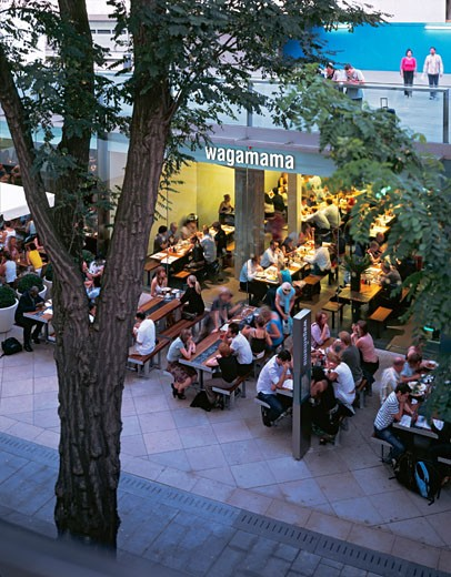 Stock Photo: 1801-17734 WAGAMAMA RESTAURANT, SOUTHBANK CENTRE, LONDON, SE1 SOUTHWARK + BERMONDSEY, UNITED KINGDOM, RESTAURANT WITH DINERS OUTSIDE, AUKETT TYTHERLEIGH