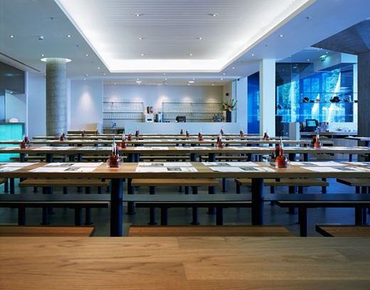 WAGAMAMA RESTAURANT, SOUTHBANK CENTRE, LONDON, SE1 SOUTHWARK + BERMONDSEY, UNITED KINGDOM, RESTAURANT INTERIIOR, AUKETT TYTHERLEIGH : Stock Photo