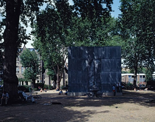 ANSELM KIEFER PAVILION, HOXTON SQUARE, LONDON, N1 ISLINGTON, UNITED KINGDOM, HOXTON SQUARE AND INSTALLATION FROM SOUTH, MRJ RUNDELL AND ASSOCIATES : Stock Photo