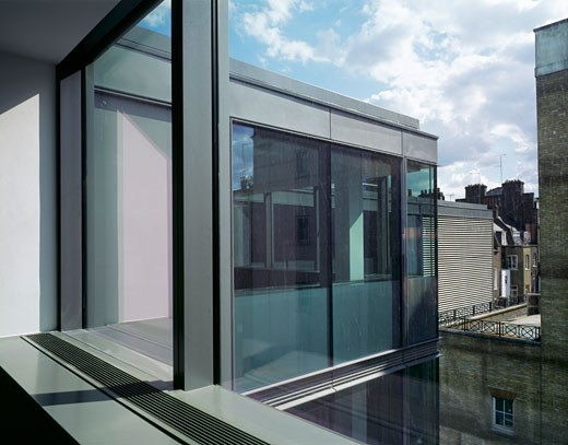 Stock Photo: 1801-20338 MET BUILDING, PERCY STREET, LONDON, WC1 BLOOMSBURY, UNITED KINGDOM, 11TH FLOOR CROSS VIEW TO EXTERIOR, ORMS