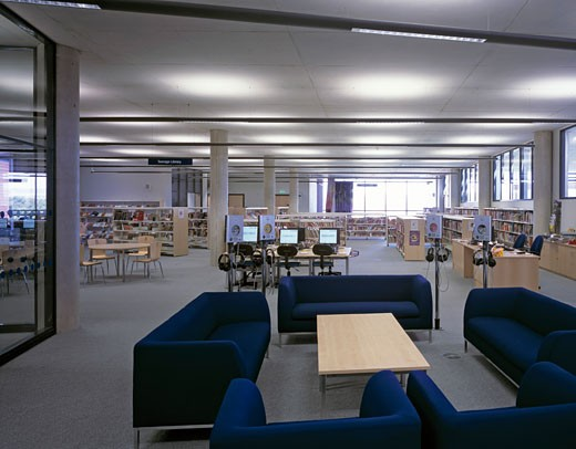 Stock Photo: 1801-21572 OLDHAM CENTRE FOR LEARNING, OLDHAM, UNITED KINGDOM, CHILDRENS LIBRARY AREA, PRINGLE RICHARDS SHARRATT