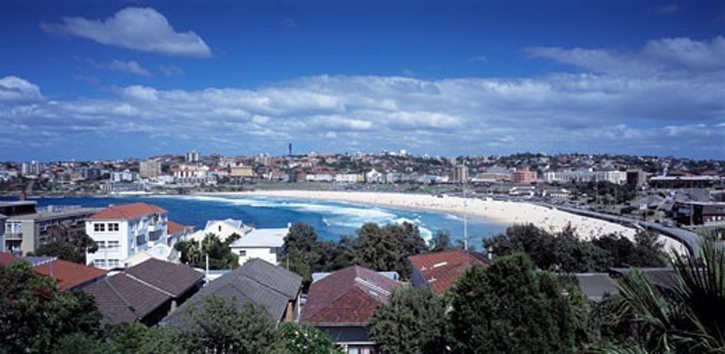 BONDI HOUSE, BRIGHTON BOULEVARDE, SYDNEY, NEW SOUTH WALES, AUSTRALIA, VIEW FROM HOUSE TO BONDI BEACH, ARCHITECTS JOHANNSEN AND ASSOCIATES : Stock Photo