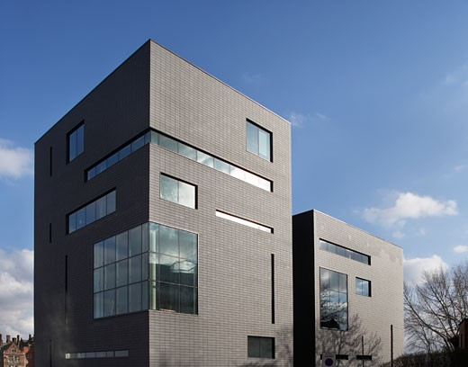 INFORMATION COMMONS BUILDING, SHEFFIELD, SOUTH YORKSHIRE, UNITED KINGDOM, VIEW OF NORTH FAÇADE, RMJM : Stock Photo