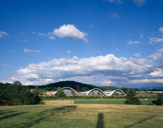 ZENTRUM PAUL KLEE, BERN, SWITZERLAND, VIEW FROM FIELDS, RENZO PIANO BUILDING WORKSHOP : Stock Photo