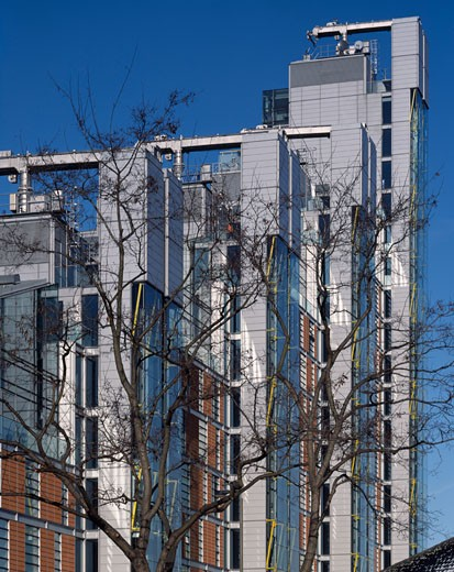 Stock Photo: 1801-23657 MONTEVETRO, BATTERSEA, LONDON, SW11 BATTERSEA, UNITED KINGDOM, VIEW OF BUILDING ROOFS THROUGH TREES, RICHARD ROGERS PARTNERSHIP