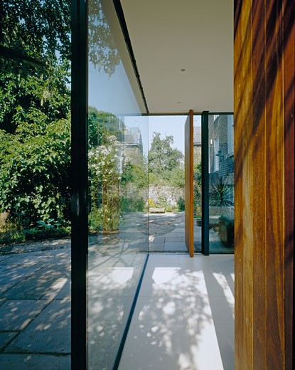 Stock Photo: 1801-24358 PRIVATE HOUSE (REAR EXTENSION), LONDON, N1 ISLINGTON, UNITED KINGDOM, PORTRAIT VIEW OF WOOD/GLASS AND VIEWS, SIMON CONDER ASSOCIATES