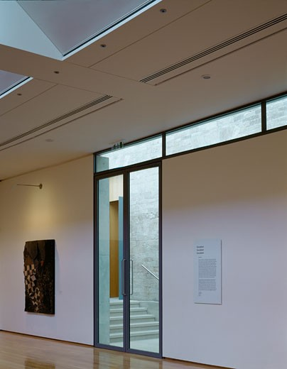 COMPTON VERNEY, WARWICKSHIRE, UNITED KINGDOM, INTERIOR LOOKING TOWARDS GLASS DOOR AND STAIRS, STANTON WILLIAMS : Stock Photo