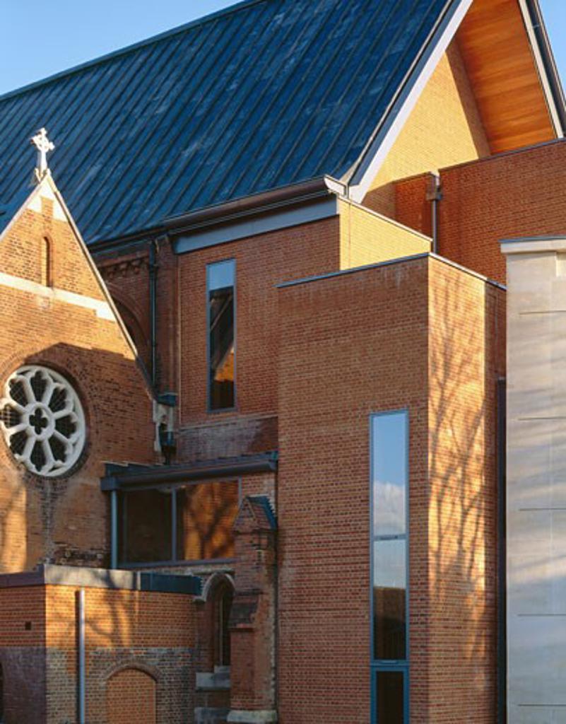ALL SAINTS CHURCH DULWICH, LONDON, UNITED KINGDOM, THOMAS FORD PARTNERSHIP : Stock Photo