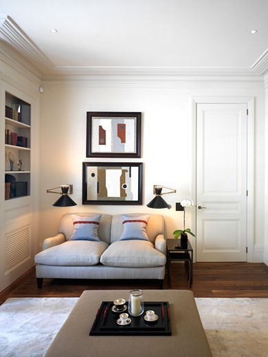 UPPER ADDISON GARDENS, LONDON, UNITED KINGDOM, LIVING ROOM, THORP : Stock Photo
