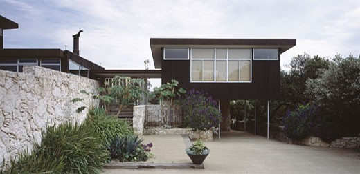 Stock Photo: 1801-26987 SORRENTO HOUSE, SORRENTO, VICTORIA, AUSTRALIA, VIEW OF ENTRANCE AND OFFICE WING, TOM ISAKSSON ARCHITECT