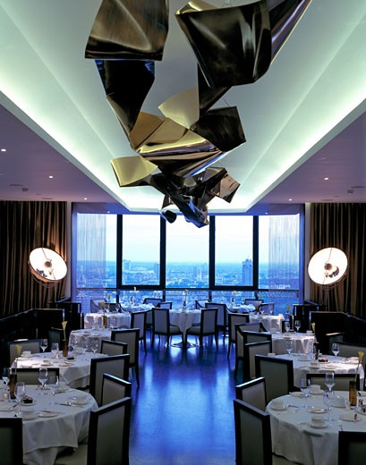 WINDOWS RESTAURANT, LONDON, UNITED KINGDOM, INTERIOR VIEW, UNITED DESIGNERS : Stock Photo