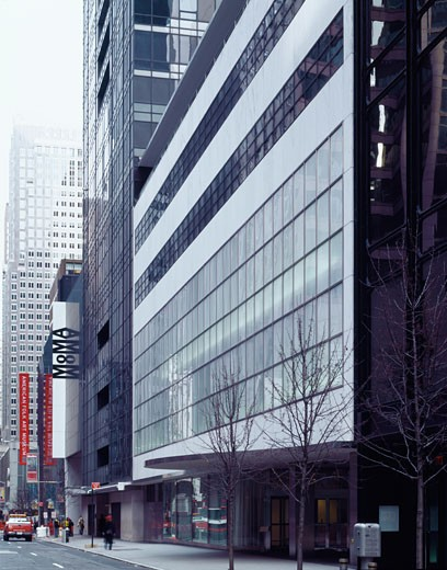 MUSEUM OF MODERN ART, 53RD STREET, NEW YORK, NEW YORK, UNITED STATES, ORIGINAL BUILDING BY GOODWIN AND STONE, YOSHIO TANIGUCHI AND ASSOCIATES : Stock Photo