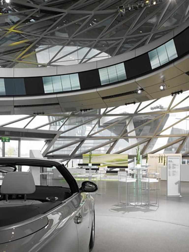 Bmw welt interior presentation space., Bmw Welt, Munich, Germany, Coop Himmelb(l)au : Stock Photo