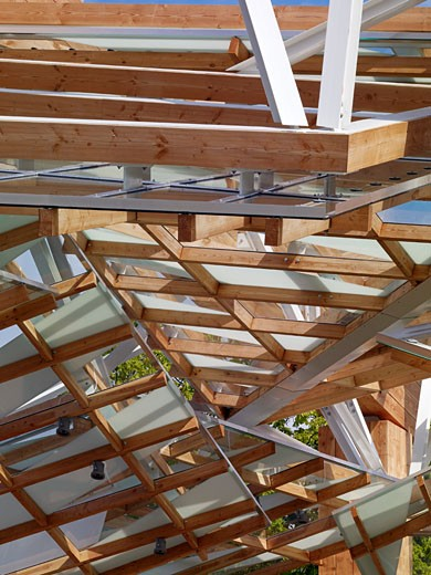 Serpentine gallery pavilion 2008 day detail abstract canopy structure., Serpentine Gallery Pavilion 2008, Kensington Gardens, London, W2 Paddington, United Kingdom, Frank Gehry : Stock Photo