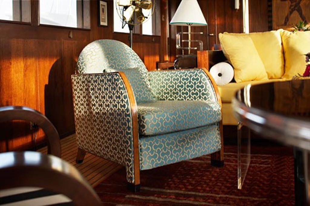Maid marian 2 emerald armchair., Maid Marian, Phuket, Changwat, Thailand, Flux Interiors : Stock Photo