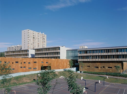 Stock Photo: 1801-3312 COLLEGE RENOIR AND ROSTARD, (SECONDARY SCHOOL), MARSEILLE, FRANCE, GENERAL SHOT, ART'M ARCHITECTURE