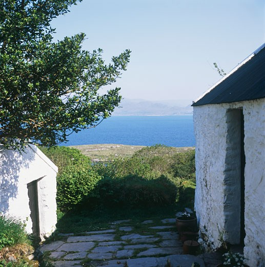 Bothar bui view towards sea., Bothar Bui, Beara Penisular, Cork, Cork, Ireland, Robin Walker : Stock Photo