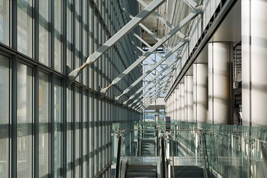 Stock Photo: 1801-33317 Terminal 5 heathrow airport interior glazing., Terminal 5 Heathrow Airport, Bath Road, Hayes, Middlesex, United Kingdom, Rogers Stirk Harbour + Partners
