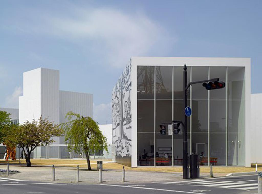 Towada art centre., Towada Art Center, Nishi Nibancho 10-9, Towada, Aomori, Japan, Ryue Nishizawa : Stock Photo