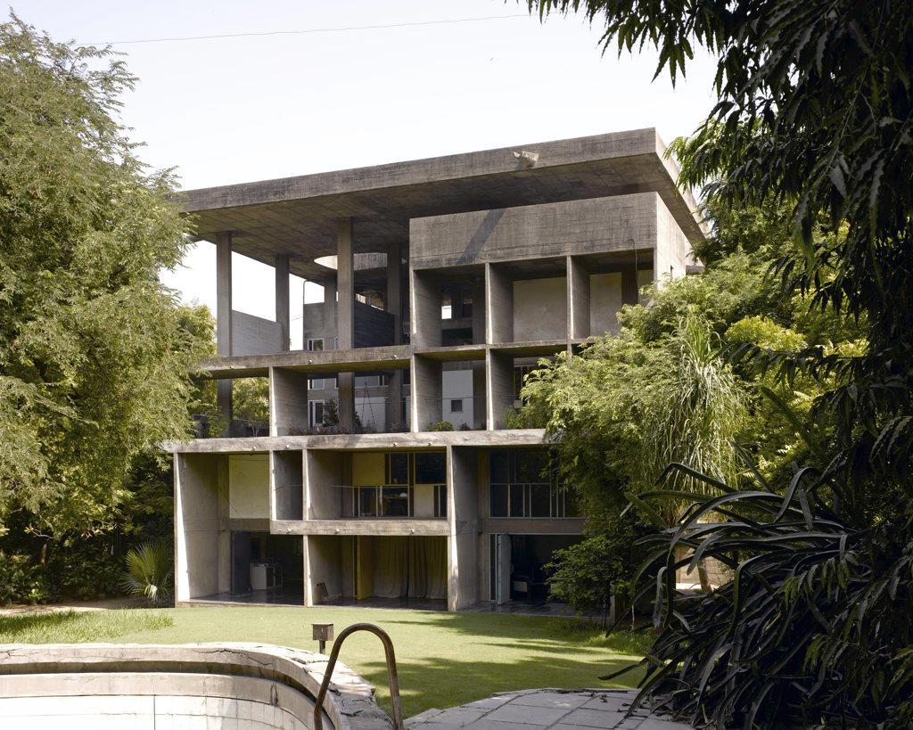 The Shodan House, Ahmedabad, India, Le Corbusier, Shodan house-overall view of rear elevation. : Stock Photo
