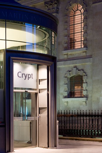 Stock Photo: 1801-37566 St Martins-in-the-fields, London, United Kingdom, Eric Parry, Detail of the crypt entrance at twilight.