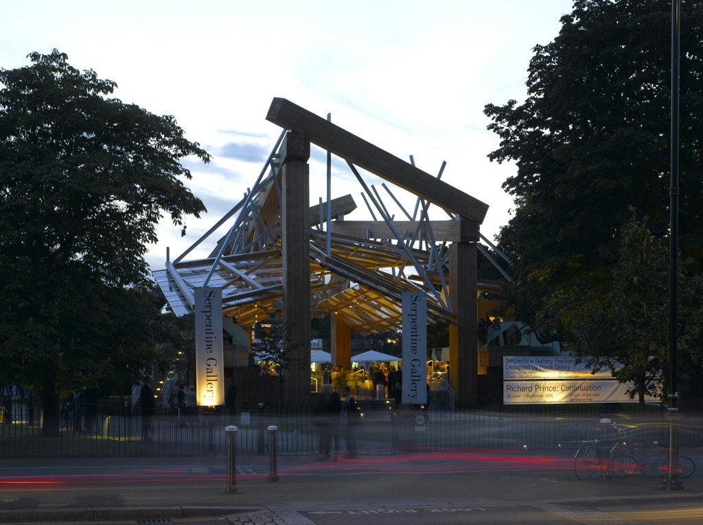 Serpentine Gallery Pavilion 2008, London, United Kingdom, Frank Gehry, Serpentine gallery pavilion 2008. : Stock Photo