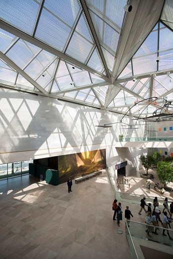 National Gallery of Art East Building, Washington D.c., United States, Pei Cobb Freed & Partners, National gallery of art washington DC by IM pei interior of atrium with alexander calder mobile. : Stock Photo
