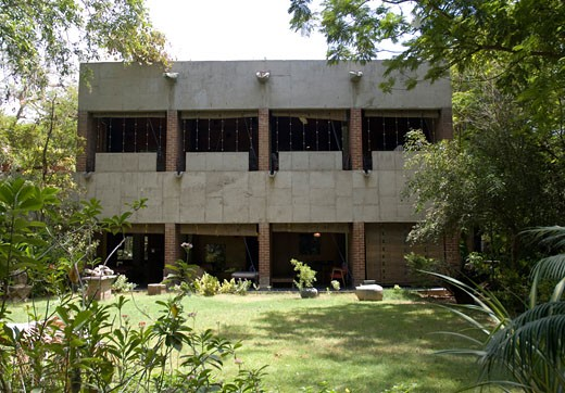 Sarabhai House, Ahmedabad, India, Le Corbusier, Sarabhai house- overal view from garden. : Stock Photo