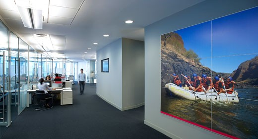 Stock Photo: 1801-45111 Rencap Offices (Renaissance Capital), Moscow, Russia, Swanke Hayden Connell, Rencap offices moscow desks with picture on wall.