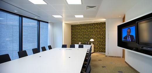 Stock Photo: 1801-45612 Guardian Offices, London, United Kingdom, Tp Bennett, Guardian offices kings place meeting room with screen.