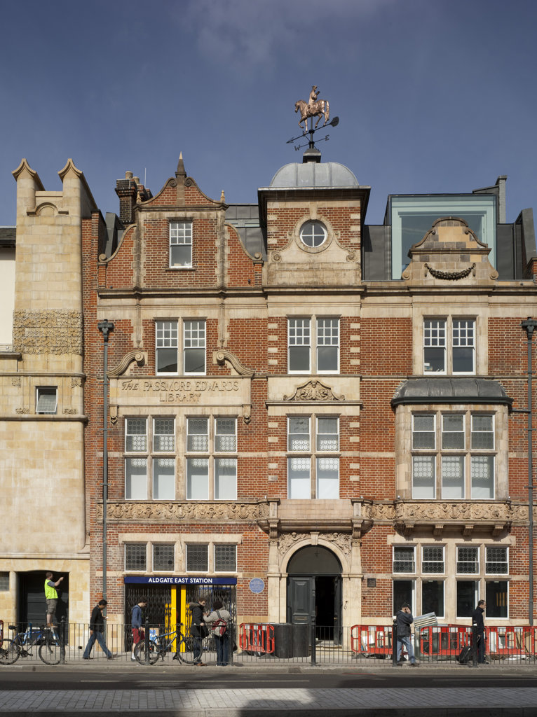 Stock Photo: 1801-46708 Whitechapel Art Gallery, London, United Kingdom, Witherford Watson Mann / Robbrecht & Daem, Whitechapel art gallery front elevation.