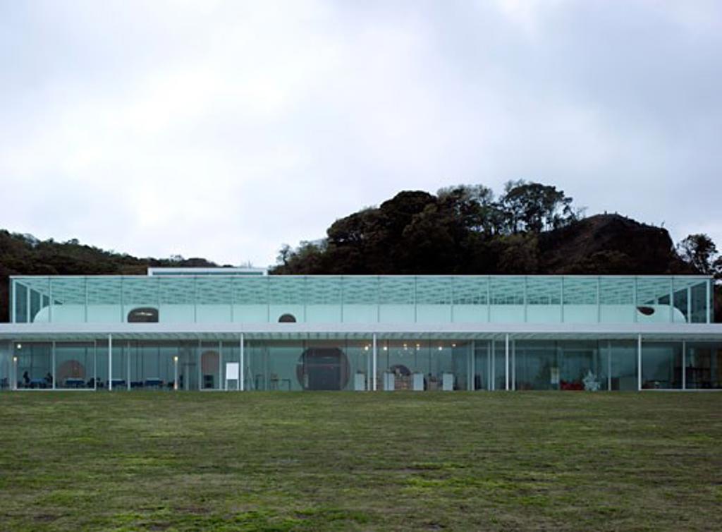 Yokosuka Musuem of Art, Yokosuka, Japan, Riken Yamamoto, Yokosuka musuem of art. : Stock Photo