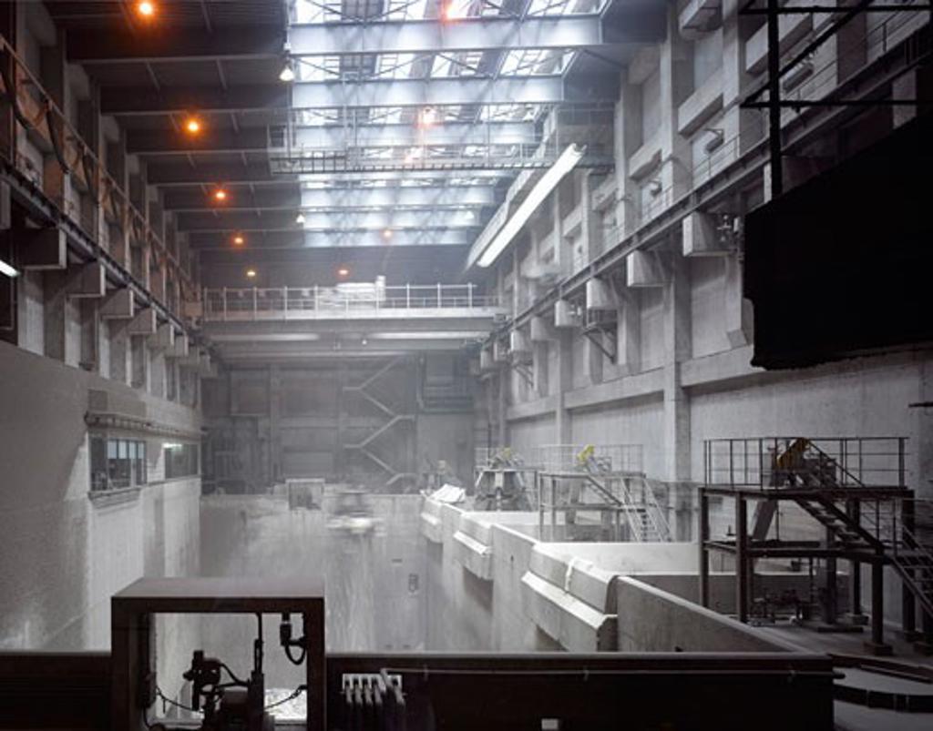 Naka Incineration Plant, Hiroshima, Japan, Yoshio Taniguchi and Associates, Hiroshima city naka incineration plant refuse arrival pit. : Stock Photo