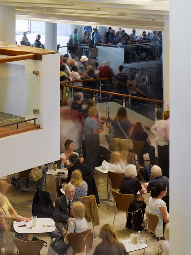 Royal Festival Hall, London, United Kingdom, Leslie Martin Robert Matthews Peter Moro and Allies and Morrison Architects, ROYAL FESTIVAL HALL BAR IN FOYER : Stock Photo