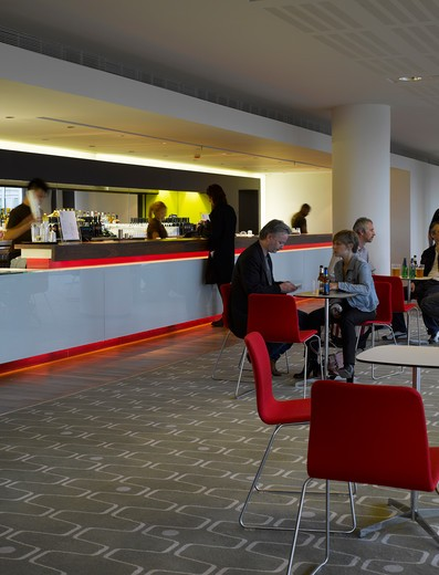 Royal Festival Hall, London, United Kingdom, Leslie Martin Robert Matthews Peter Moro and Allies and Morrison Architects, ROYAL FESTIVAL HALL GREEN BAR : Stock Photo
